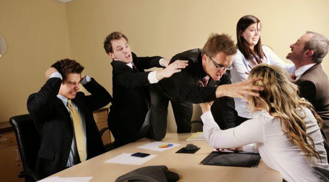 10 dicas para lidar com colegas de trabalho 'difíceis'